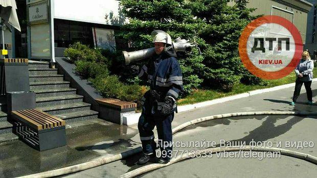 Пожежа в офісній будівлі в Києві