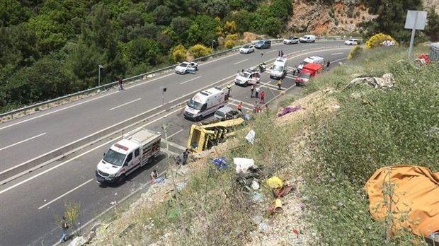 Аварія з туристами: багато осіб в критичному стані