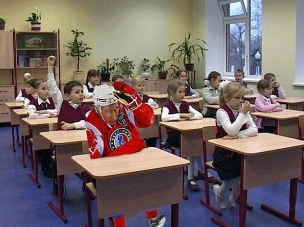 Путін за партою в школі