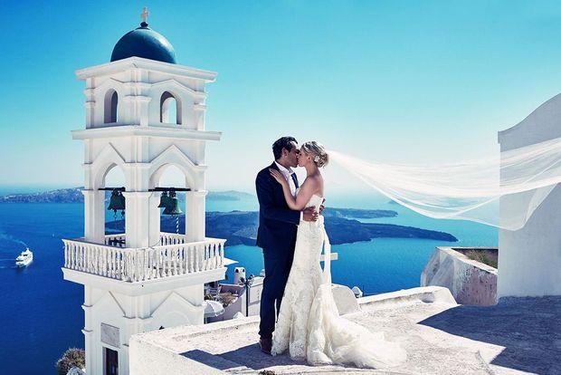 Весілля на Санторіні, Греція