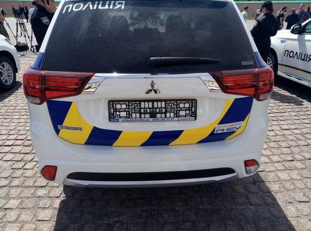 Поліцейські Mitsubishi Outlander
