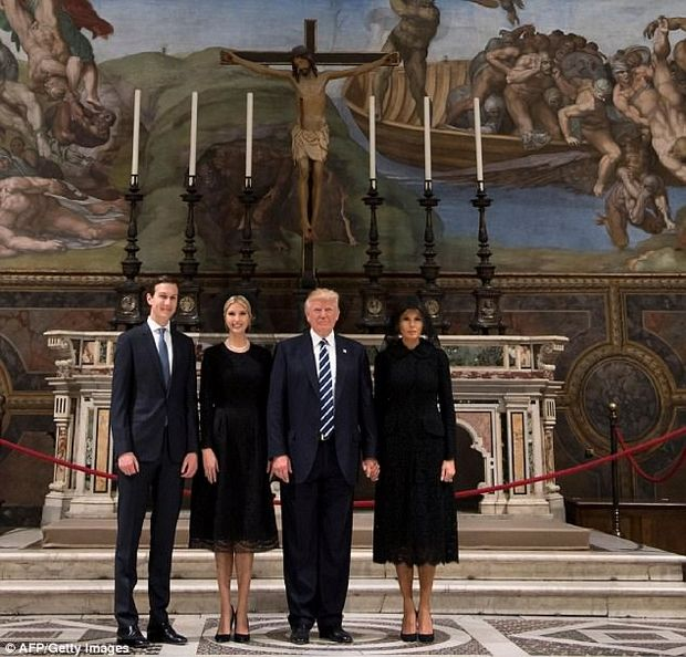 Сімейство Трампів відвідало Сикстинську капелу