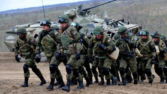 В разведке сообщили, сколько Россия стянула войск и техники к границе с Украиной