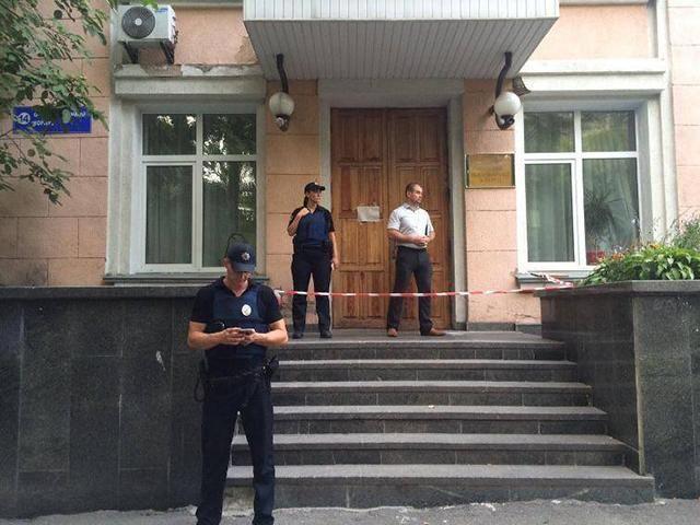Мужчину застрелили в больнице Киева
