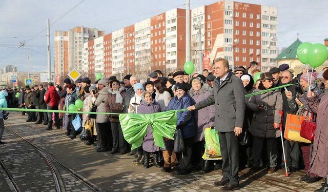 Во Львове открыли для движения построенную линию трамвая на Сыхов