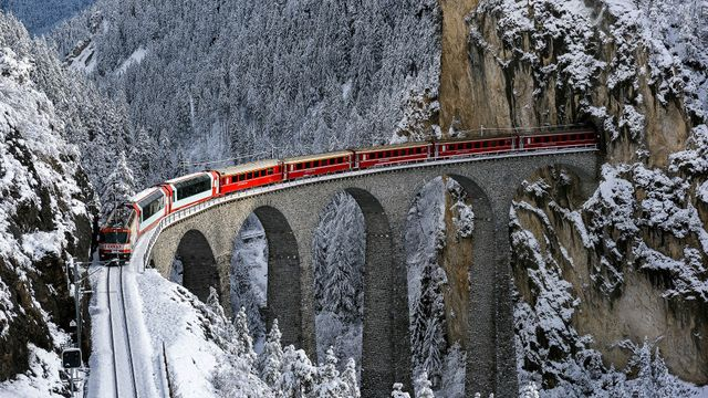 На зимние праздники Украиной будет курсировать рекордное количество дополнительных поездов