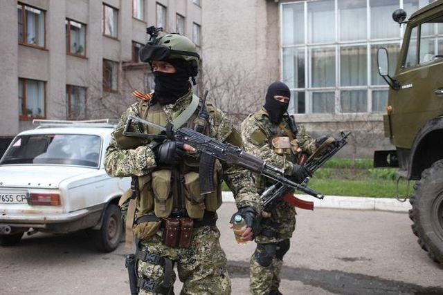 Террористы устроили первомайский обстрел украинцев на Донбассе