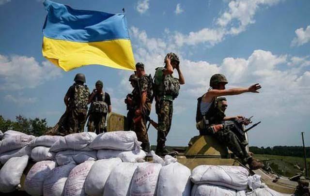 Боевики бьют огнем во всех направлениях: среди сил АТО немало раненых