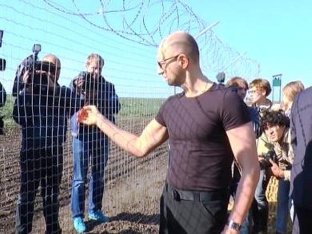 Франция строит 4-метровую стену для защиты от беженцев - Цензор.НЕТ 5045