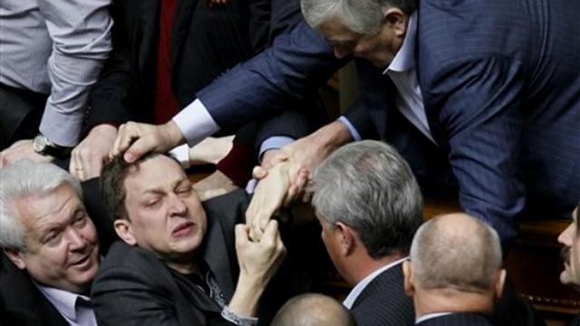 До украинцев дошло: весь мир нас кинул, а санкции не сломали Россию